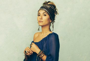 Lauren Daigle on the tonight show singing Look Up Child